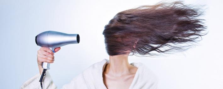 Bild: Die Haare sind lange Hornfäden, sie bestehen im Wesentlichen aus Keratin
