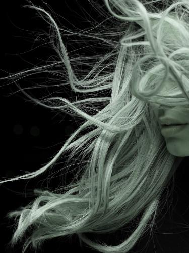Während bei der Haut das Melanin für die Färbung verantwortlich ist, sind es bei den Haaren je nach Haartyp zwei verschiedene Pigmente